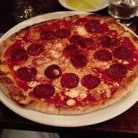 Photo prise au Otto Enoteca Pizzeria par Peter K. le2/13/2013