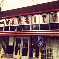 Foto tomada en The Varsity por jeff b. el 9/14/2012