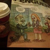 Photo prise au Starbucks par Melisa G. le12/19/2012