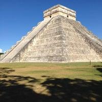 Foto tomada en Zona Arqueológica de Chichén Itzá por Neil R. el 11/2/2012