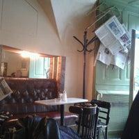 Foto tirada no(a) Kleines Café por Goran M. em 10/18/2012