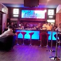 9/24/2013 tarihinde Hernán B.ziyaretçi tarafından Insert Coin Bar'de çekilen fotoğraf