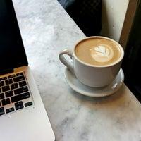 2/15/2014 tarihinde Aaronziyaretçi tarafından Last Drop Coffee House'de çekilen fotoğraf
