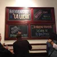 Foto tomada en La Lucha Sanguchería Criolla por Luis Daniel R. el 11/24/2012