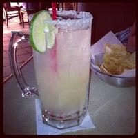 Foto tomada en La Parrilla Mexican Restaurant por Remond S. el 11/29/2012