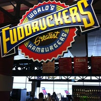 Photo taken at Fuddrucker's by Rodrigo B. on 8/9/2013
