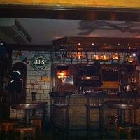 Снимок сделан в Körfez Bar пользователем Ahmet K. 9/23/2012
