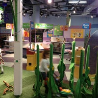 รูปภาพถ่ายที่ Omaha Children's Museum โดย Michael D. เมื่อ 12/22/2012