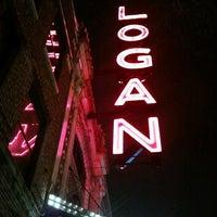 Das Foto wurde bei Logan Theatre von Johnny M. am 3/16/2013 aufgenommen