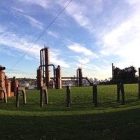 Foto tirada no(a) Gas Works Park por Steve D. em 10/10/2013