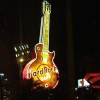 รูปภาพถ่ายที่ Hard Rock Hotel Las Vegas โดย Meche R. เมื่อ 3/30/2013