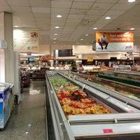 Foto tirada no(a) Sonda Supermercados por ticiana M. em 10/5/2012
