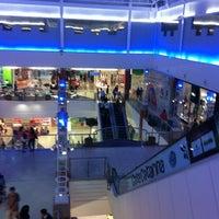 รูปภาพถ่ายที่ Floripa Shopping โดย Marcelo G. เมื่อ 1/9/2013