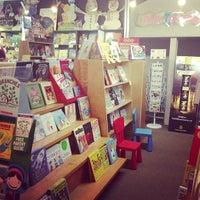 Das Foto wurde bei Unabridged Books von Justin B. am 5/18/2013 aufgenommen