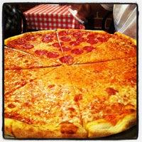 รูปภาพถ่ายที่ Mulberry Street Pizzeria โดย Chad D. เมื่อ 9/15/2012