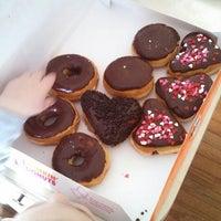 Foto tirada no(a) Dunkin Donuts por Robert B. em 1/28/2014