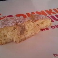 Foto tirada no(a) Dunkin Donuts por Robert B. em 3/13/2013