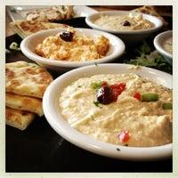 Das Foto wurde bei My Big Fat Greek Restaurant von Sarah Jayne A. am 4/4/2013 aufgenommen
