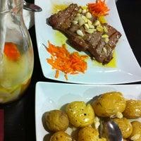Foto tirada no(a) Restaurante O Fumeiro por Ana C. em 1/26/2013