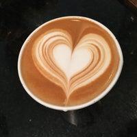 Снимок сделан в Frisson Espresso пользователем Frisson Espresso 7/17/2016