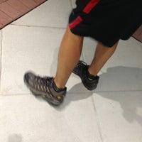 Das Foto wurde bei DSW Designer Shoe Warehouse von Nate B. am 7/27/2013 aufgenommen