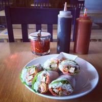 Foto scattata a Blue Hen Vietnamese Kitchen da Eric L. il 3/6/2014