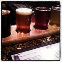 Foto tomada en Bootstrap Brewing por Colorado Card el 10/30/2012