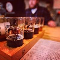 Foto tirada no(a) Big Beaver Brewing Co por Colorado Card em 2/10/2013