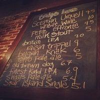 6/11/2013にErinがPortsmouth Breweryで撮った写真