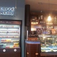 3/9/2013 tarihinde Melih U.ziyaretçi tarafından Caffè Nero'de çekilen fotoğraf