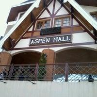 Foto tirada no(a) Aspen Mall por Camila O. em 1/18/2013