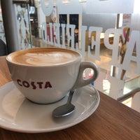 Foto scattata a Costa Coffee da Ed N. il 8/18/2018
