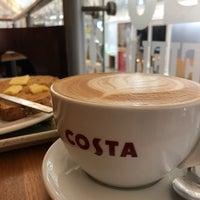 Foto scattata a Costa Coffee da Ed N. il 10/27/2018