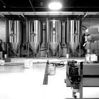 Foto tomada en Monday Night Brewing por Hooty T. el 5/4/2013