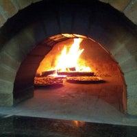 Das Foto wurde bei Pizzaria La Carmelita von Victor P. am 3/17/2013 aufgenommen
