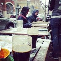 2/2/2013 tarihinde Macklin U.ziyaretçi tarafından Arbor Brewing Company'de çekilen fotoğraf
