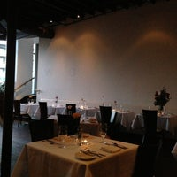 Foto diambil di Watermark Restaurant oleh Robert S. pada 2/14/2013