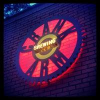 Foto diambil di Crank Arm Brewing Company oleh Jon O. pada 5/4/2013