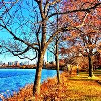 รูปภาพถ่ายที่ Charles River โดย Alex M. เมื่อ 11/22/2012