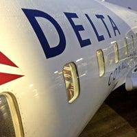 Foto tomada en Lehigh Valley International Airport (ABE) por DeWayne F. el 12/8/2012
