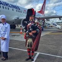 Das Foto wurde bei Edinburgh Airport (EDI) von Batuhan A. am 7/16/2015 aufgenommen
