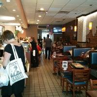 Foto diambil di Igloo Cafe oleh Joshua B. pada 7/13/2013