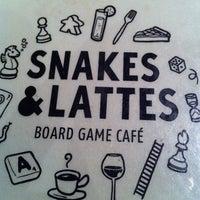 Foto tirada no(a) Snakes & Lattes por Jeff C. em 4/22/2013