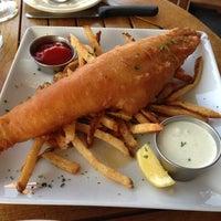 Снимок сделан в Coleman Public House Restaurant & Tap Room пользователем Roman B. 5/27/2013