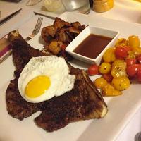 Foto tomada en Glatt A La Carte por Kosher Foodies el 3/20/2014