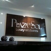 Foto tomada en Plaza Sol Luxury Hall & Business por fer g. el 3/13/2013