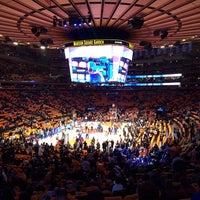 Foto scattata a Madison Square Garden da Stephanie H. il 10/30/2013