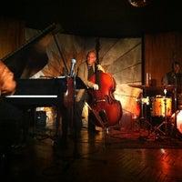 Photo prise au Cliff Bell's par rhonni le7/27/2013