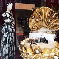 Das Foto wurde bei Dolce&Gabbana von dawn.in.newyork am 9/3/2016 aufgenommen
