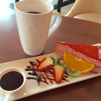 Снимок сделан в IS SWEET Coffee & Dessert пользователем Brad H. 1/17/2016